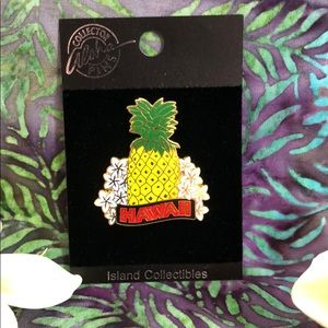 ISLAND COLLECTIBLES HAWAII Pineapple Pin Hat Lapel